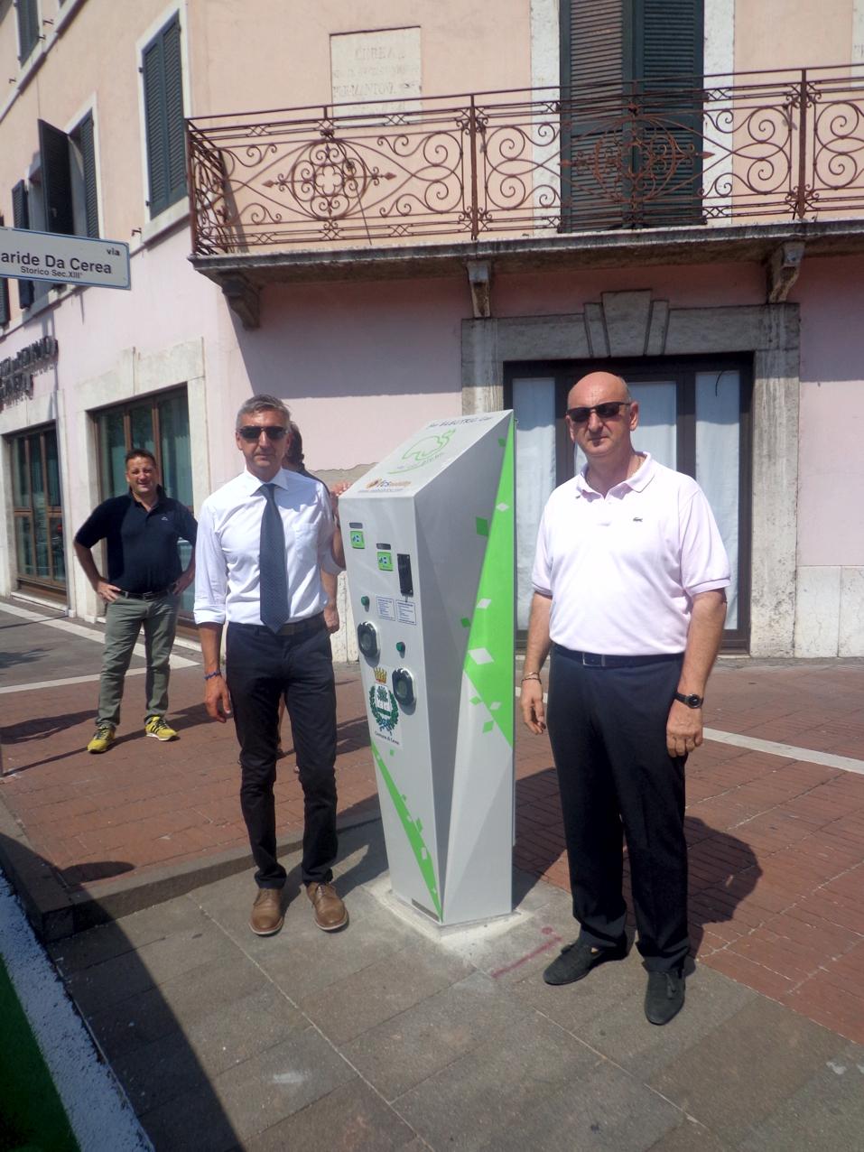 Inaugurazione CEREA (VR). A sx Mauro Inzoli di FCS Mobility, a dx Paolo Marconcini, il Sindaco di Cerea